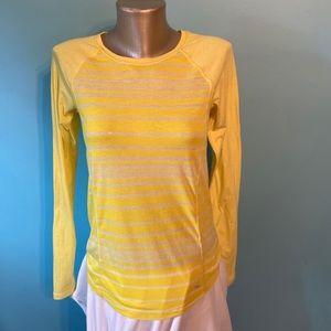 💥5/$25 Diadora striped long sleeve top